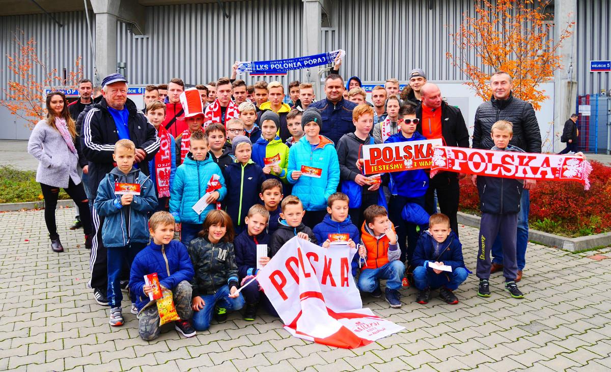 Młodzi piłkarze na meczach Reprezentacji Polski