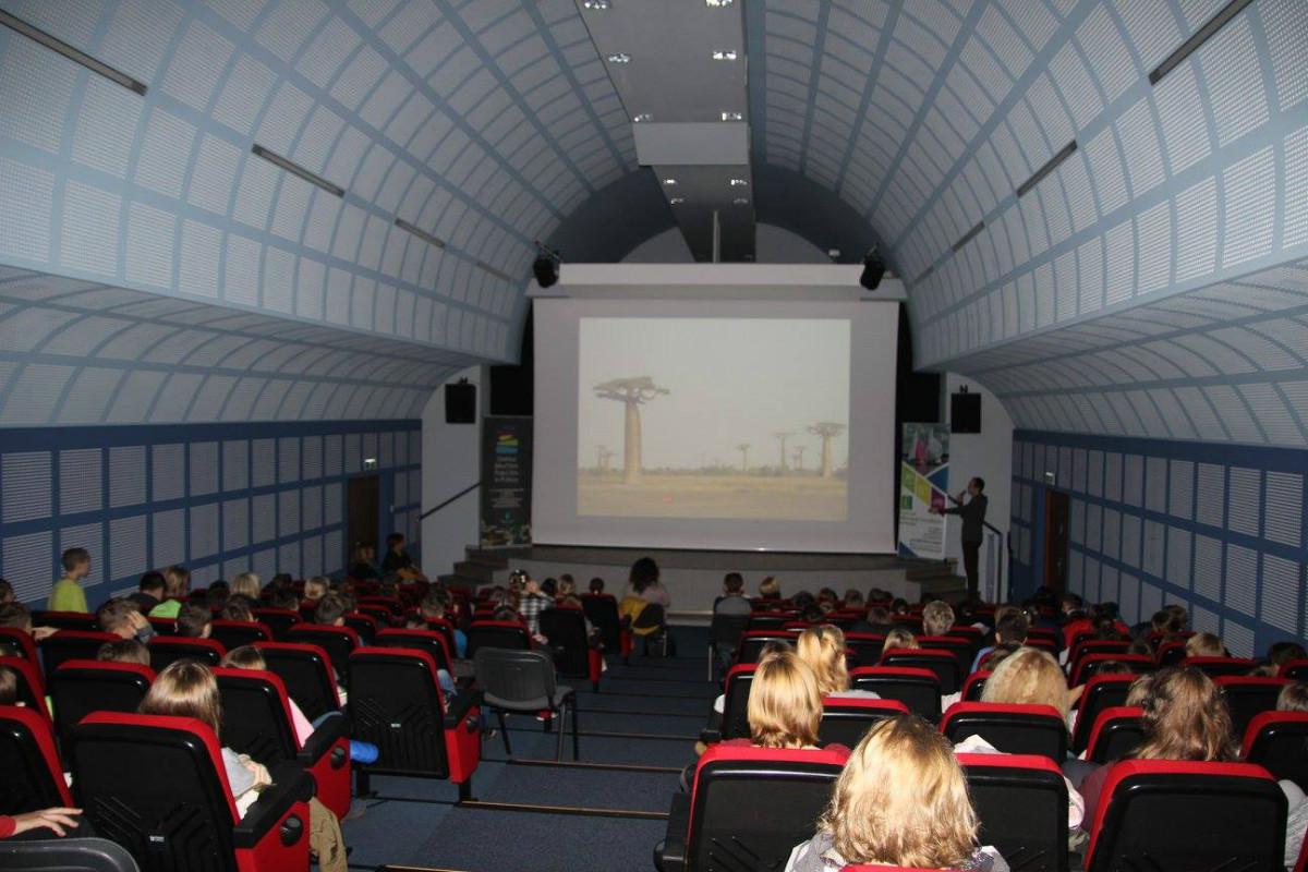 spotkanie z podróżnikiem Piotrem Kowalczykiem - Centrum Informacji Turystycznej oraz Gminna Biblioteka Publiczna
